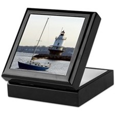 Spring Point Light Keepsake Box
