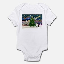 XmasMagic/Corgi (5C) Infant Bodysuit
