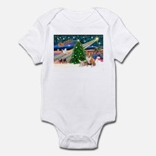 XmasMagic/2 Corgis (P3) Infant Bodysuit