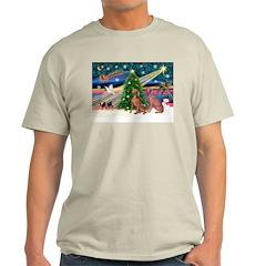 XmasMagic/2 Weimaraners T-Shirt