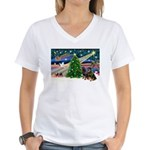 XmasMagic/2 Rotties Women's V-Neck T-Shirt