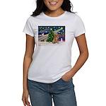Xmas Magic Golden Retriever (#1) Women's T-Shirt