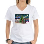 XmasMagic/2 Dobies (P3) Women's V-Neck T-Shirt