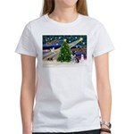 Xmas Magic & Schnauzer Puppy Women's T-Shirt