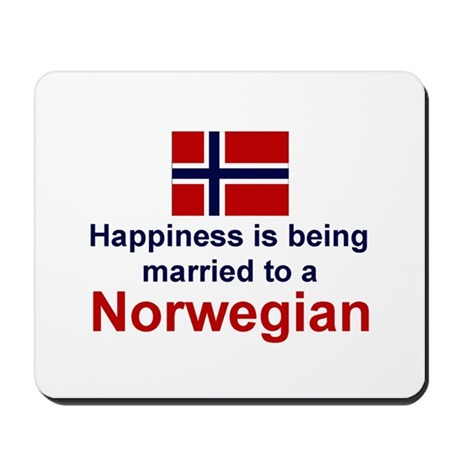 Happily Married To A Norwegia Mousepad