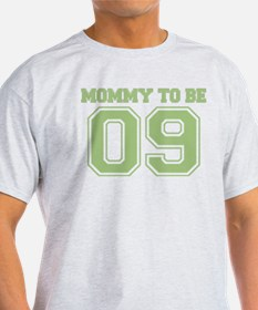 Mommy To Be 09 (Green) T-Shirt