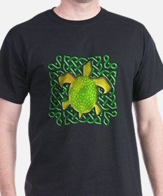 Celtic Knot Turtle (Green) T-Shirt