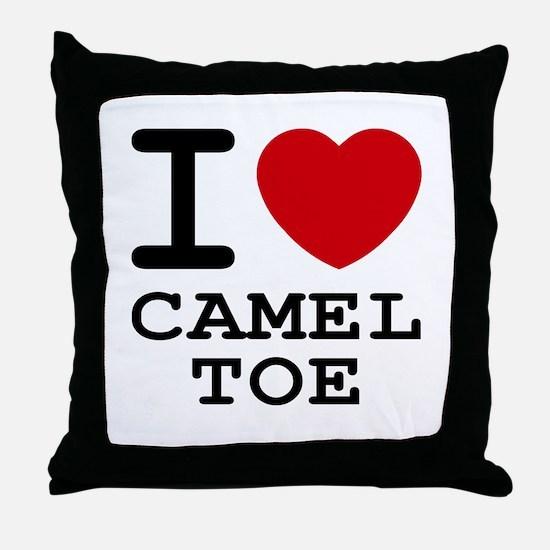 I heart camel toe Throw Pillow