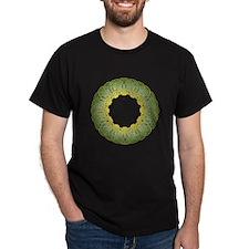 Green Irish Knot Design T-Shirt in Dark Colors