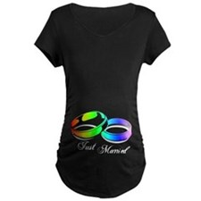 Just Married (Gay Rainbow Rings) T-Shirt