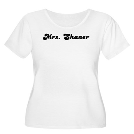 Mrs. Shaner Women's Plus Size Scoop Neck T-Shirt