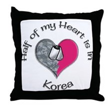 Army mom infantry Throw Pillow