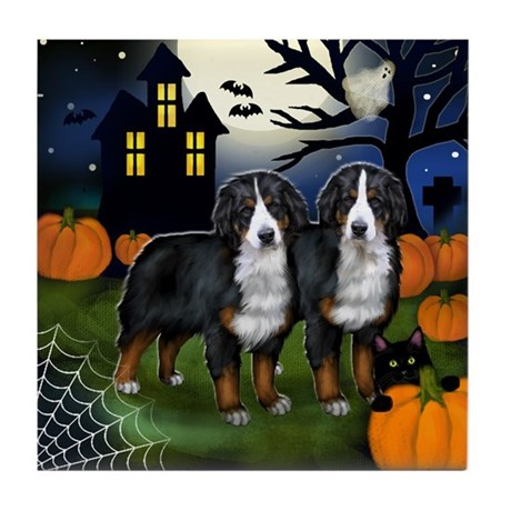 BERNESE MOUNTAIN DOGS HALLOWEEN NIGHT Tile Coaster
