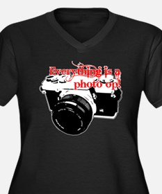 Everything's a photo op Women's Plus Size V-Neck D