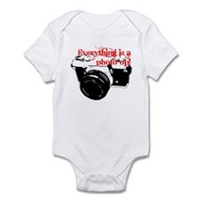 Everything's a photo op Infant Bodysuit