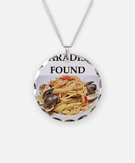 clams Necklace