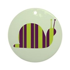 Slow Movin' Retro Snail Keepsake (Round)