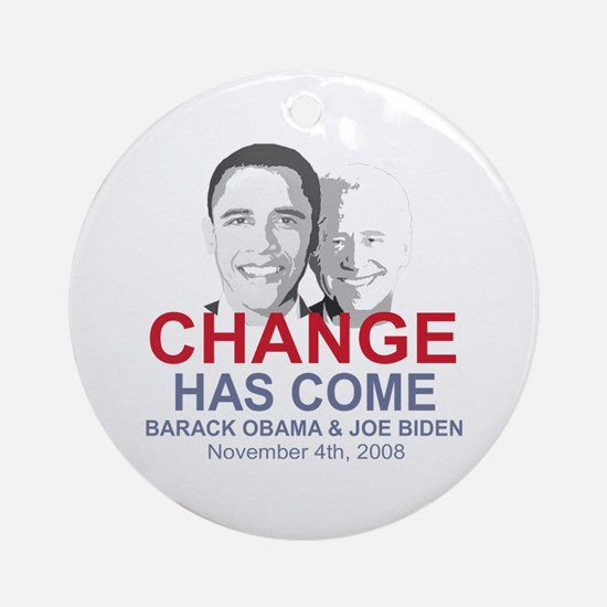 OBAMA SHOPS: Ornament (Round)