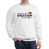 Somebody in oregon loves me Crewneck Sweatshirts