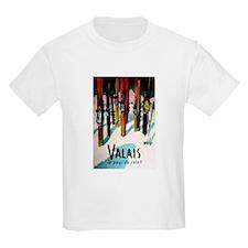 Retro Ski Skier Skiing T-Shirt