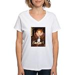 Queen / Beagle (#1) Women's V-Neck T-Shirt