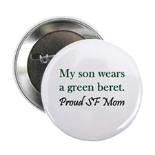 """Green Beret Mom 2.25"""" Button"""