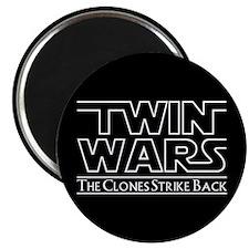 Twins - Twin Wars Magnet