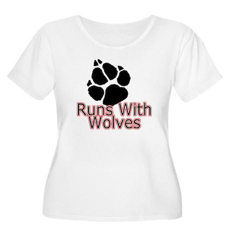 Runs With Wolves Women's Plus Size Scoop Neck T-Sh