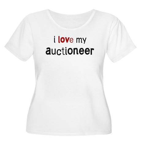 I love my Auctioneer Women's Plus Size Scoop Neck