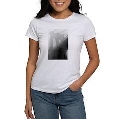 BROOKLYN BRIDGE -Fog Women's T-Shirt