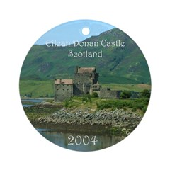 Eilean Donan Castle Scotland 2004 Ornament (Round)