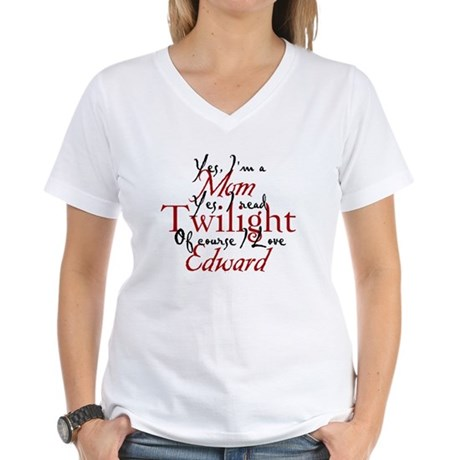 Edward Loving Twilight Mom 2 Women's V-Neck T-Shir