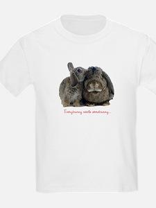 Everybunny needs somebunny Kids T-Shirt