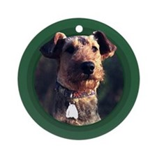 Airedale Terrier Green Round Ornament