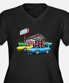 Superbird Gas station scene Women's Plus Size V-Ne