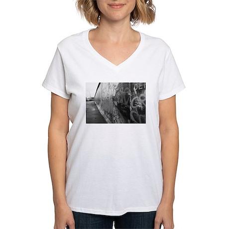Berlin Wall Women's V-Neck T-Shirt