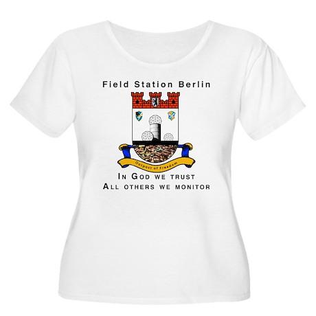 Field Station Berlin Women's Plus Size Scoop Neck