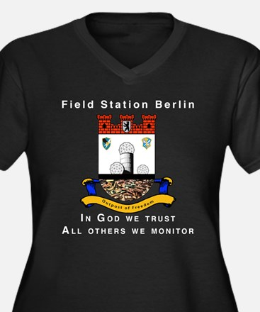 Field Station Berlin Women's Plus Size V-Neck Dark
