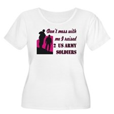 Cute Mess with me army mom T-Shirt