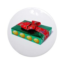 Green Gift Ornament (Round)