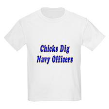 """Chicks Dig Navy Officers"" T-Shirt"