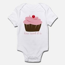 Infant Bodysuit with Cupcake