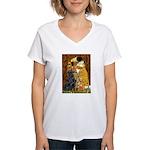 Kiss / Flat Coated Retriever Women's V-Neck T-Shir