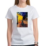 Cafe / Flat Coated Retriever Women's T-Shirt