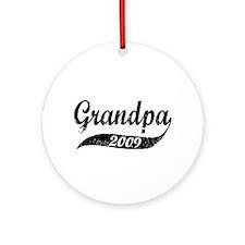 New Grandpa 2009 Ornament (Round)