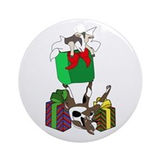 Fainting Goat Christmas Gifts Ornament (Round)