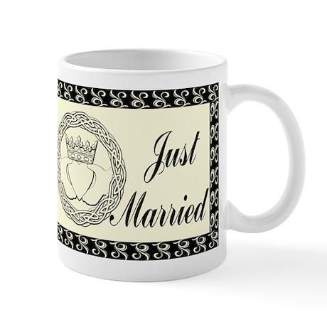 Claddagh Wedding Invitation Set Mug