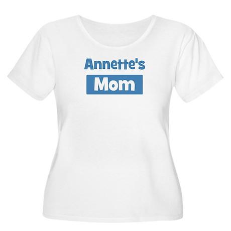 Annettes Mom Women's Plus Size Scoop Neck T-Shirt