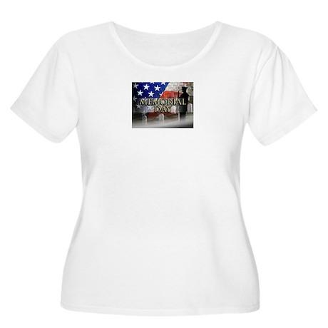 Memorial Day Women's Plus Size Scoop Neck T-Shirt