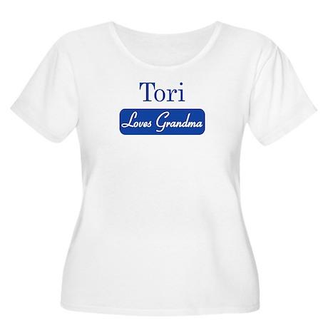 Tori loves grandma Women's Plus Size Scoop Neck T-